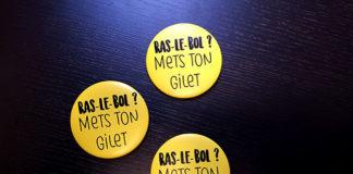 Badge gilet jaune personnalisé